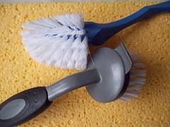 brushes-337582__180