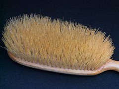 clothes-brush-16282__180