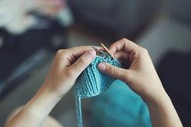 knit-869221__180